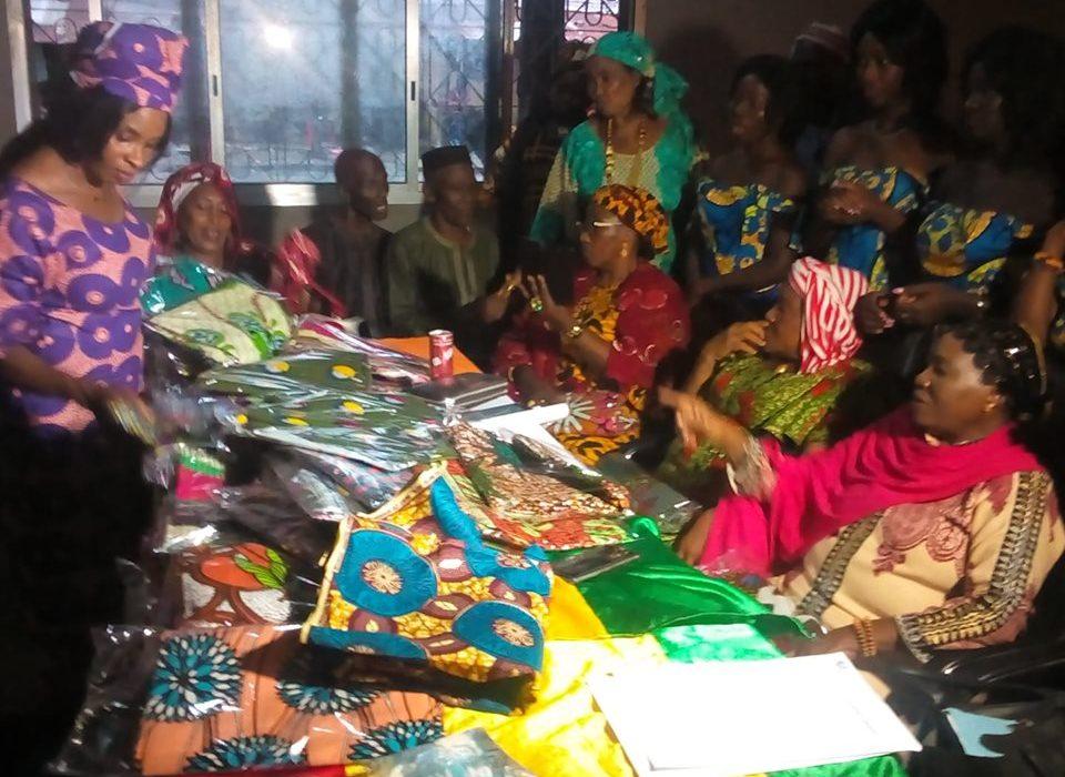 Conakry : L'AFCAD  Offre  des dons aux Femmes de Kaloum