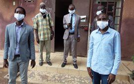 Lutte contre le COVID-19 : Un ressortissant Guinéen   offre  des masques aux  hommes de médias