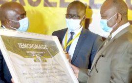 Conakry :Les autorités Sanitaires remettent Un  «pacte Social » au  président Alpha Condé