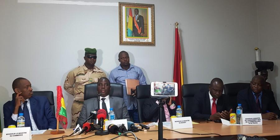 Augmentation du prix du Carburant à la pompe: Le Gouvernement Guinéen  se défend  sans convaincre