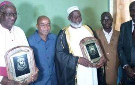 Conakry : El Hadj Mamadou Saliou Camara et Mgr Vincent Coulibaly bénéficient des lauréats  Palm National