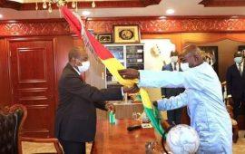 Guinée : Alpha Condé installé, promet de lutter contre la corruption