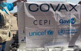 La Guinée reçoit un premier lot de 194.400 doses de vaccins dans le cadre de l'initiative COVAX