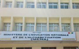 Situation des infrastructures scolaires en Guinée : les autorités du MENA enregistrent 2161 écoles primaires et secondaires et 888 sous hangars