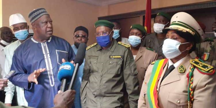 Guinée: Générale de Brigade M'mahawa Sylla installée dans ses nouvelles fonctions de gouverneure de la ville de Conakry